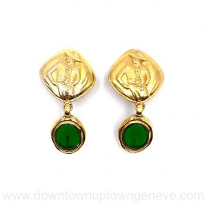 Chanel Coco 1970s vintage earrings with green Gripoix pendant
