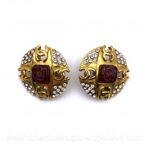 Chanel vintage clip earrings in round goldtone metal with crystals & red Gripoix glass