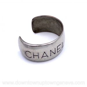 Chanel vintage cuff in silvertone metal