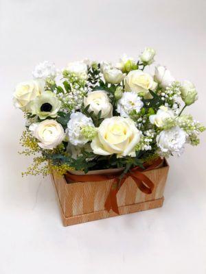 boîte remplie de roses
