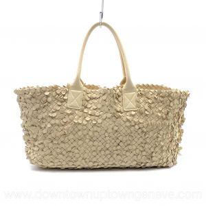 Bottega Veneta PM cabat in intrecciato nappa cream with round leather tabs