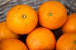 Orange à main blonde