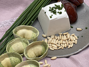 Pâtes Manie chèvre, pignons de pin et dates (2 pers)
