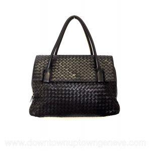Bottega Veneta vintage shoulder flap bag in black intrecciato nappa