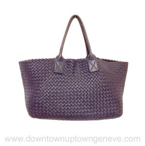 Bottega Veneta MM cabat in intrecciato nappa in dark purple