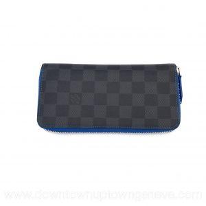 Louis Vuitton Zippy wallet in damier graphite & blue