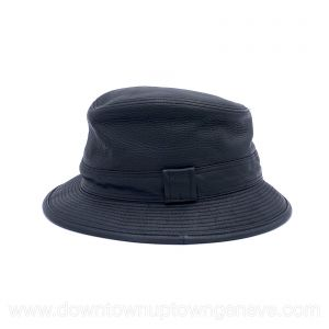 Hermès hat in black leather