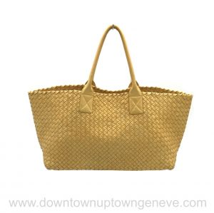 Bottega Veneta PM cabat in intrecciato nappa metallic light yellow gold