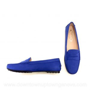 Tod's boating shoes in electric blue suede